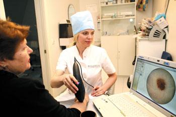 СИАскопическую диагностику проводит специалист «ИМК», дерматоонколог Наталья Борисовна Толстихина